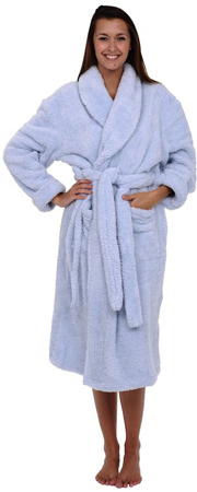 6. Alexander Del Rossa Fleece Bathrobe